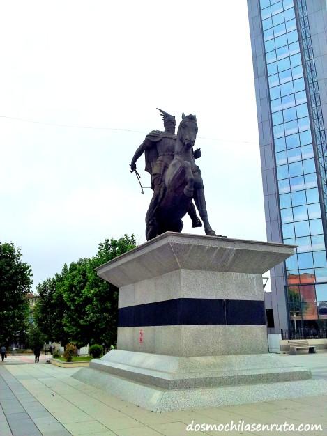 Estatua ecuestre de Skanderbeg