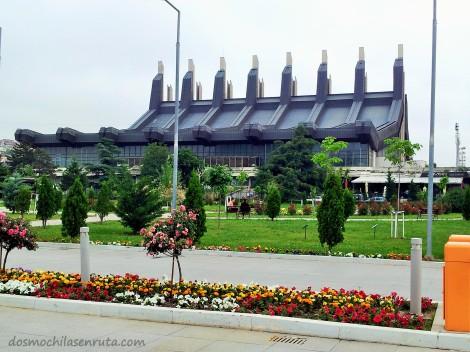 Palacio de Deportes y Juventud de Pristina